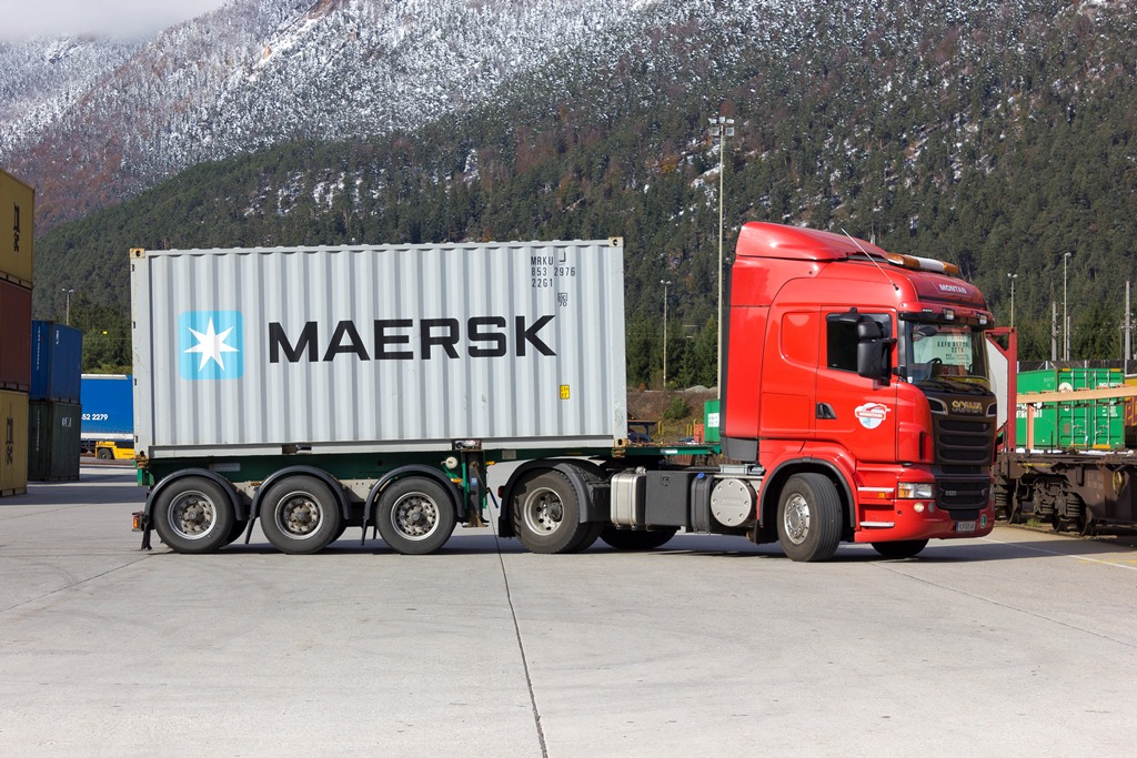 Truck transports also with goods which are covered by the ADR ...